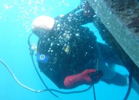 Soudure sous marine d'un support d'anode